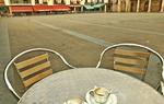 Un descanso en ruta, disfrutando del tiempo en la plaza Mayor de El Burgo de Osma. Soria