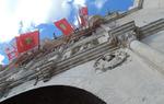 El Arco de Santa María de Burgos preparado para el pregón. Este año lo pronunciará el rector de la UBU, Manuel Pérez Mateos
