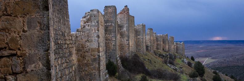 Imagen de la fortaleza de Gormaz, en la provincia de Soria. En este entorno se pudieron dar los motivos que propiciaron el destierro del Cid