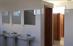 El espacio dispone de once duchas y tres aseos