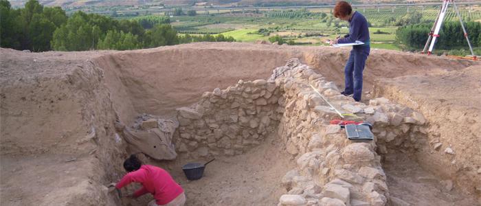 Trabajos en el paraje de La Mora Encantada en Ateca, Zaragoza