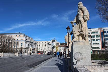 Burgos turismo visitas guiadas for Oficina turismo burgos