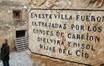 La trascendencia del Cantar de mío Cid fue tan grande que durante mucho tiempo se creyó que lo que contaba el poema había sucedido en realidad. Y así, muchos viajeros desde el siglo XIX, comenzaron a seguir las huellas del Cid utilizando como guía el Cantar de mío Cid y fundiendo, de nuevo, la realidad con la leyenda. Imagen: según una interpretación del Cantar, las hijas del Cid fueron violentadas por sus esposos en las cercanías de Castillejo de Robledo, en la provincia de Soria / ALC.