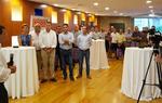 El presidente de Burgos César Rico se dirige a parte del público asistente.
